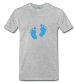 maglietta con piedini gravidanza
